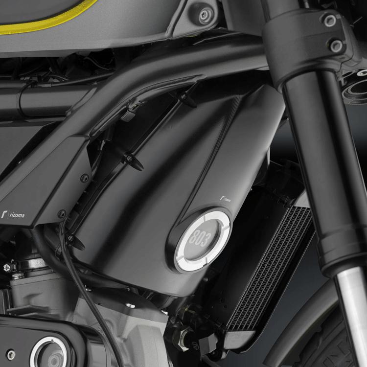 Coperchio scatola filtro in alluminio Rizoma per Ducati SCRAMBLER  ZDM127 2